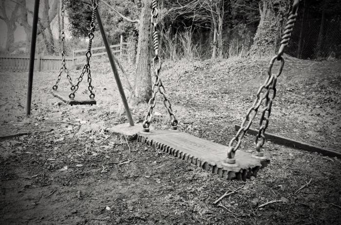 """Bucuria copilăriei sau """"cu leagăn lafund"""""""